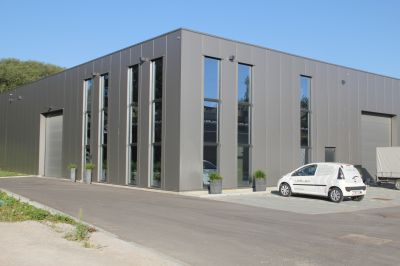 Bouw van een nieuw gebouw voor <strong>Azélec</strong>
